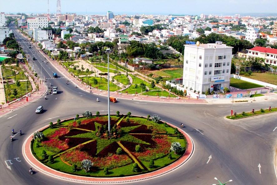 Thành phố Phan Thiết là trung tâm chính trị, kinh tế, văn hóa và khoa học kỹ thuật của tỉnh Bình Thuận. Ảnh: Đảng bộ Bình Thuận.