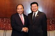Thủ tướng Nguyễn Xuân Phúc gặp Thủ tướng Lào bên lề ACMECS8