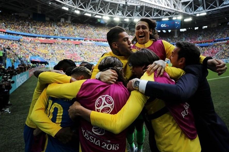 Bàn thắng phút bù giờ của Coutinho đã cứu Brazil