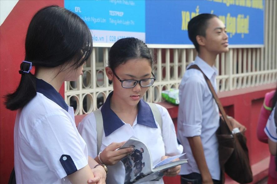 Thí sinh tham dự kỳ thi THPT quốc gia 2018 tại TPHCM. Ảnh: Cường Ngô