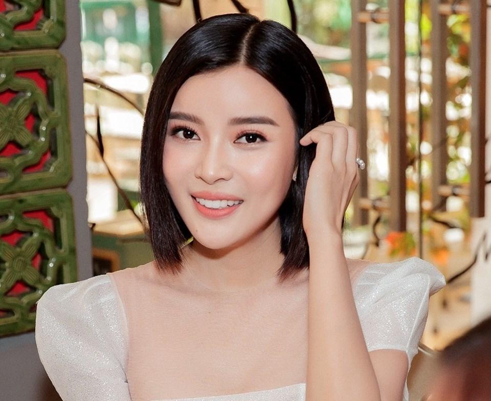 """Cao Thái Hà giữ bí mật về bộ phim """"Hậu duệ mặt trời"""" cô đang tham gia."""