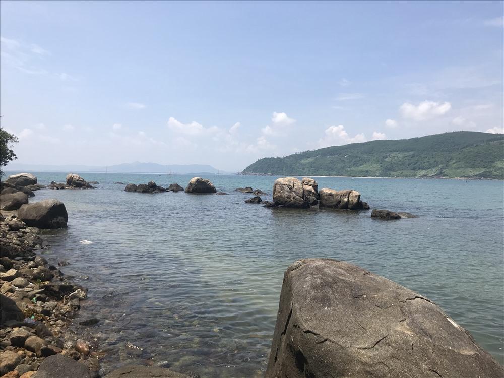 Một góc biển làng Vân. Ảnh: H.V.M