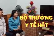 Bất ngờ: Bộ trưởng Y tế hát 'Người con gái sông La' tặng anh hùng La Thị Tám
