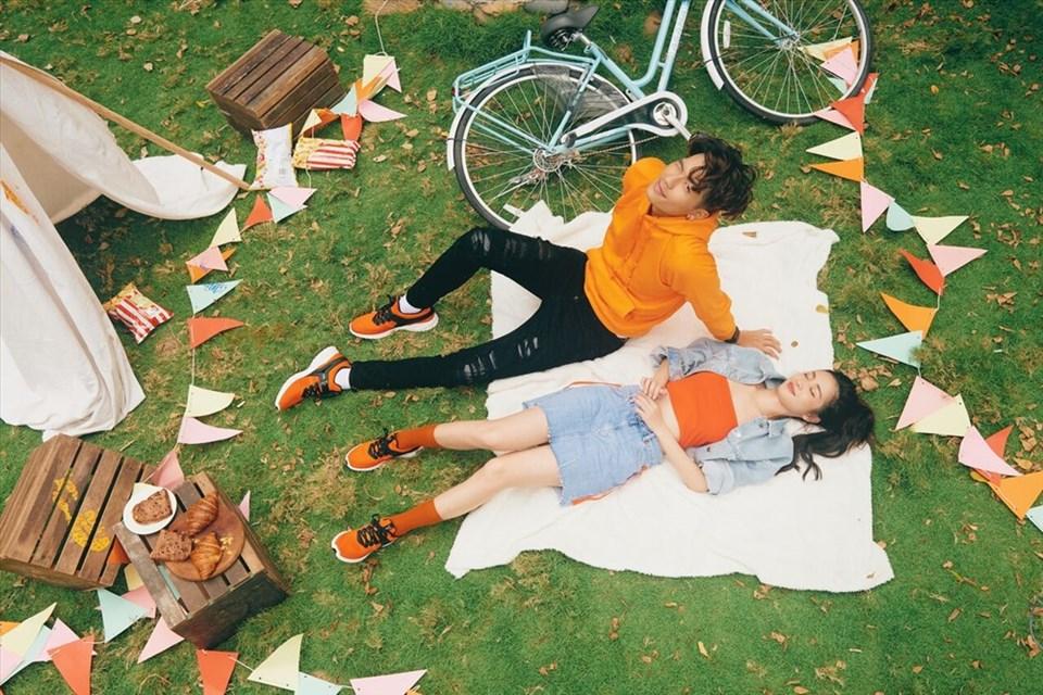 """Bộ đôi Jun Vũ- Yoon Trần bất ngờ """"đánh lẻ"""" khi ra mắt bộ ảnh thời trang mới."""