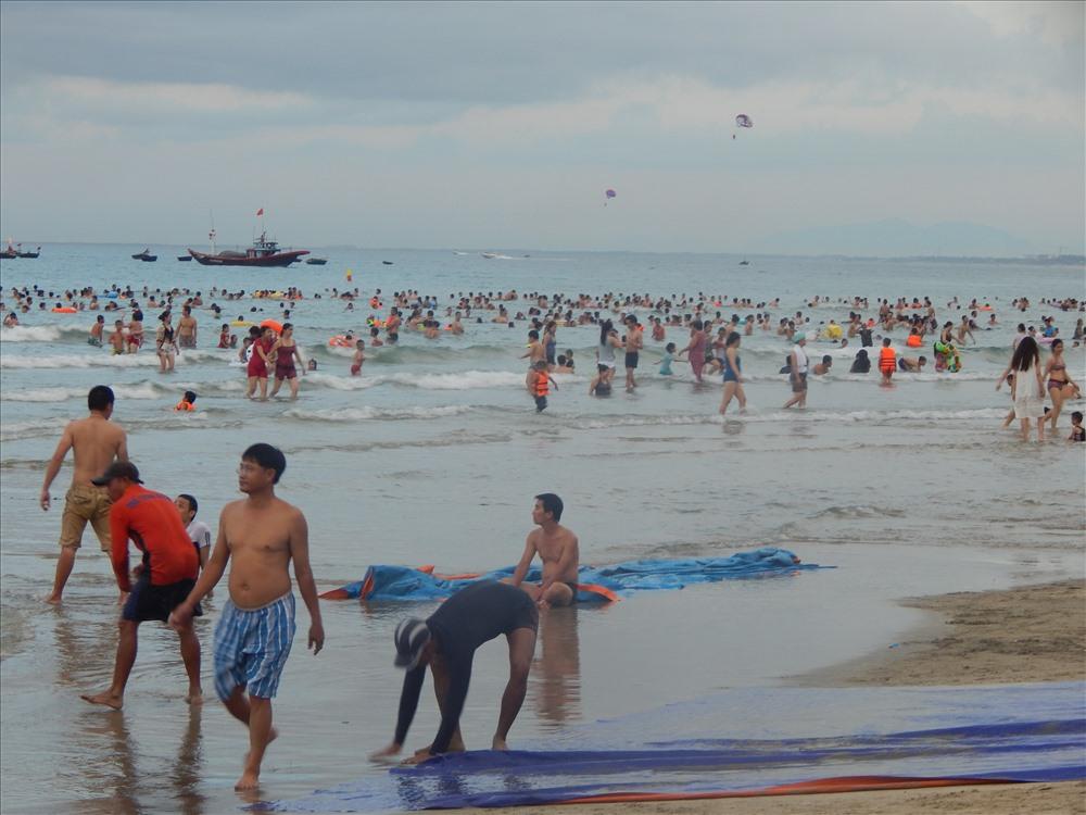 Du lịch biển thu hút nhiều du khách đến TP Đà Nẵng. Ảnh : Hoàng Tỷ