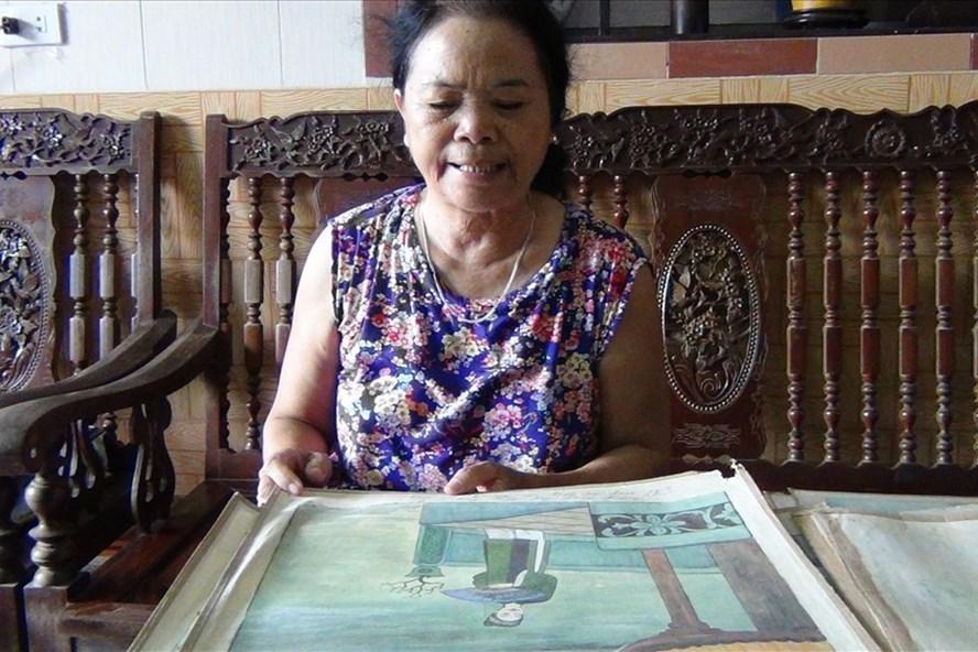 Nhà giáo Ưu tú Vũ Như Quân (xã Đông Mỹ, Đông Hưng, Thái Bình) giải thích ý nghĩa của bức tranh vẽ Mã Giám Sinh.