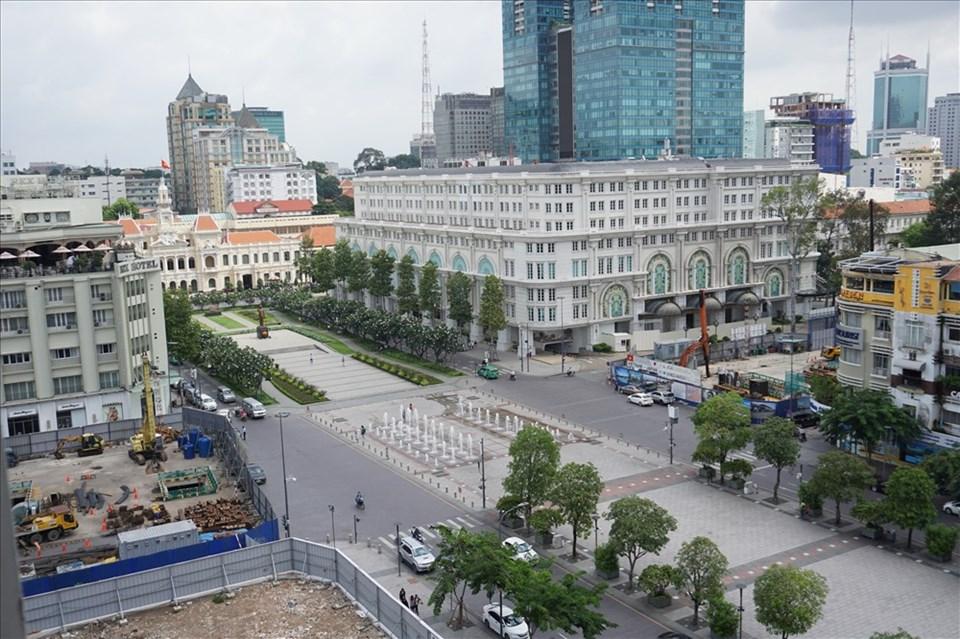 Phố đi bộ Nguyễn Huệ (quận 1, TPHCM) chuẩn bị được nâng cấp.  Ảnh: M.Q