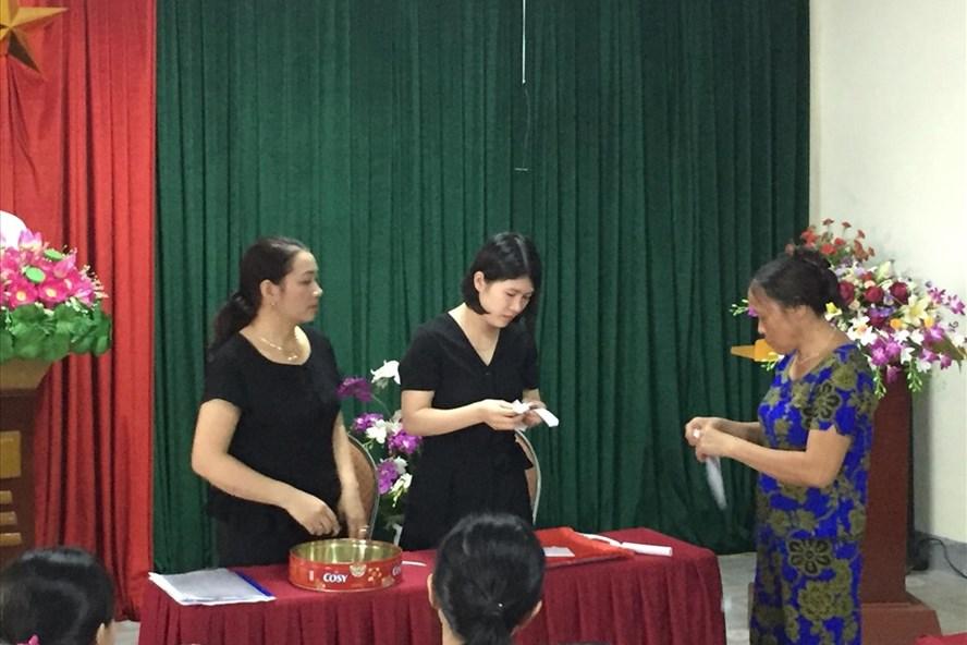 các trường học tổ chức cho học sinh bốc thăm chọn lớp