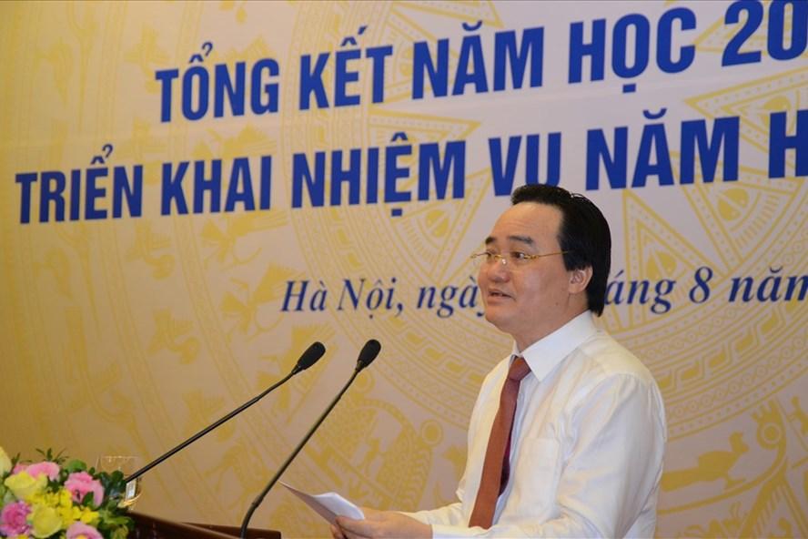 Bộ trưởng Bộ GDĐT Phùng Xuân Nhạ phát biểu đề dẫn tại Hội nghị. Ảnh: Huyên Nguyễn