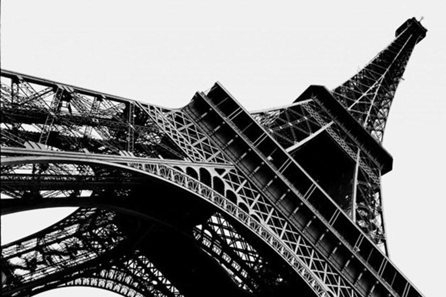 Phản đối chính sách vào cửa tham quan mới, các nhân viên làm việc tại tháp Eiffel đã đồng loạt đình công.