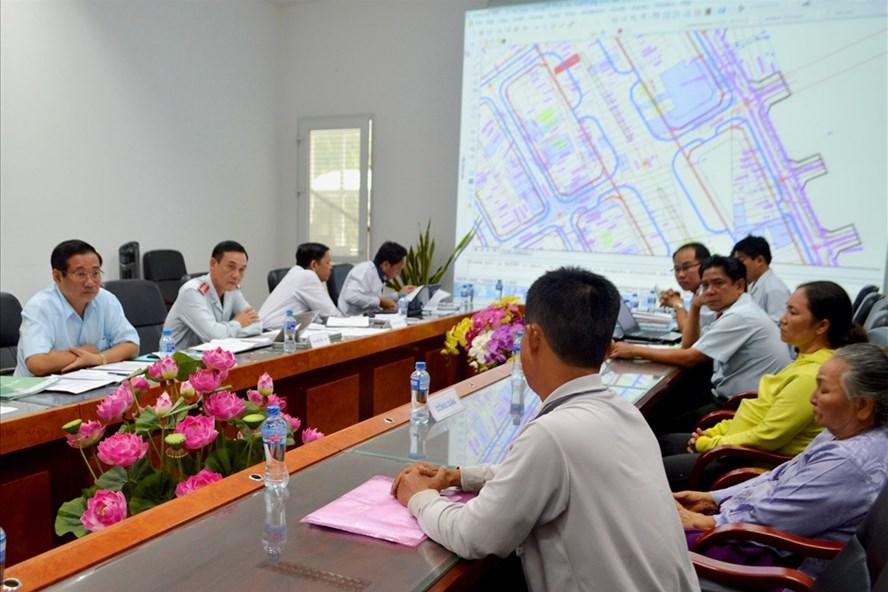 Buổi tiếp công dân của UBND tỉnh Đồng Tháp được tổ chức tại phòng khang trang có thiết bị hiện đại hỗ trợ. Ảnh: Lục Tùng
