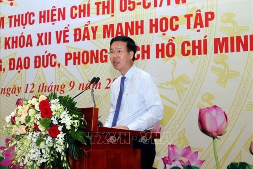 Trưởng Ban Tuyên giáo Trung ương Võ Văn Văn Thưởng phát biểu ý kiến chỉ đạo hội nghị. Ảnh: Nguyễn Dân/TTXVN
