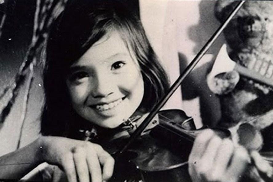 """""""Em bé Hà Nội"""" - một trong những bộ phim được Hãng phim truyện Việt Nam sản xuất trong thời kỳ vàng son của minh."""