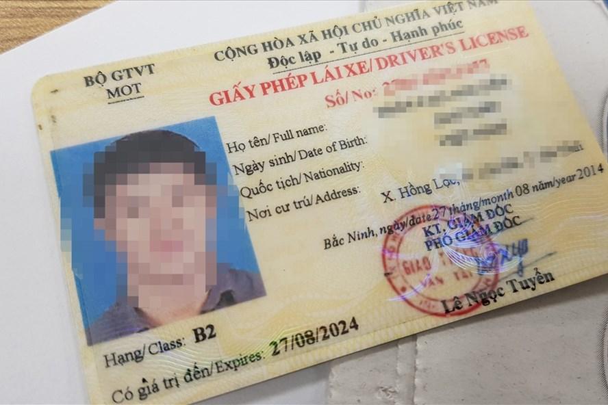 Người vi phạm giao thông sẽ bị trừ điểm vào bằng lái xe theo đề xuất của Cục CSGT. Ảnh CN