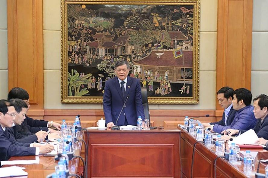 Phó Chủ tịch Thường trực UBND thành phố Nguyễn Xuân Bình đôn đốc tiến độ Dự án Nhà tưởng niệm đồng chí Nguyễn Đức Cảnh. Ảnh: Tiến Phước.