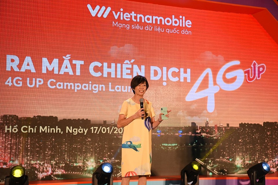 """Bà Elizabete Fong - CEO Vietnamobile - tại sự kiện """"Ra mắt chiến dịch 4G UP"""" (ảnh: NA)."""