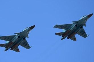 """2 """"xe tăng bay"""" Su-34 của Nga đâm nhau trên không"""