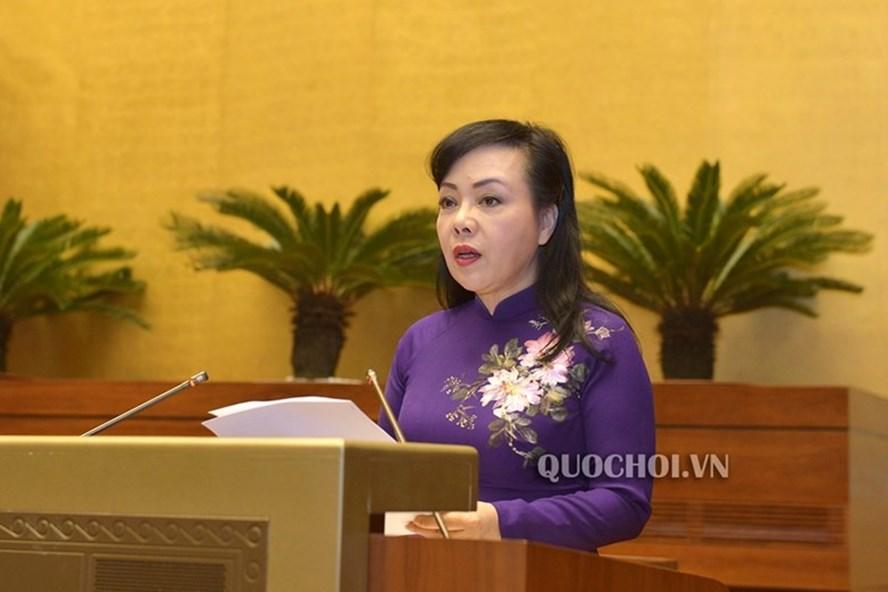 Bộ trưởng Y tế Nguyễn Thị Kim Tiến tại kỳ họp 6, Quốc hội khoá XIV. Ảnh: Quochoi.vn