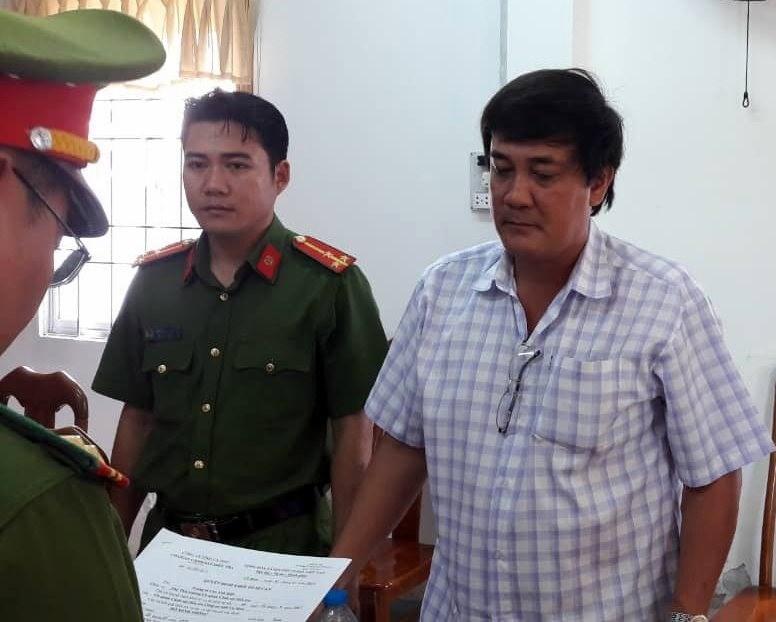 Tham ô tài sản còn kiện chủ tịch tỉnh ra tòa
