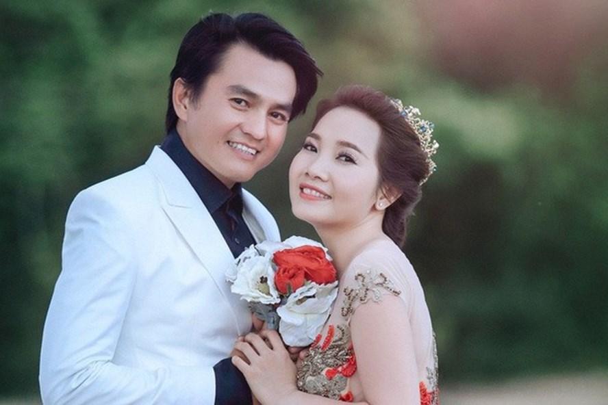 Cao Minh Đạt và vợ. Ảnh: ST