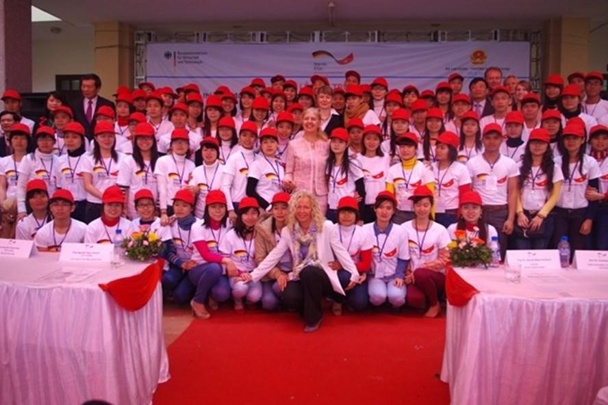 Chương trình đưa ứng viên điều dưỡng Việt Nam sang học tập và làm việc tại Cộng hòa Liên bang Đức. Ảnh Dolab.