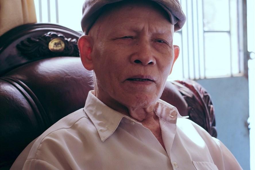 Ông Nguyễn Lâm Sáu vẫn mòn mỏi đi tìm công lý trong mấy chục năm qua.