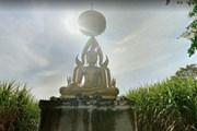 """Dân Thái đổ xô đến """"thành phố thiên đường"""" mong gặp người ngoài hành tinh"""