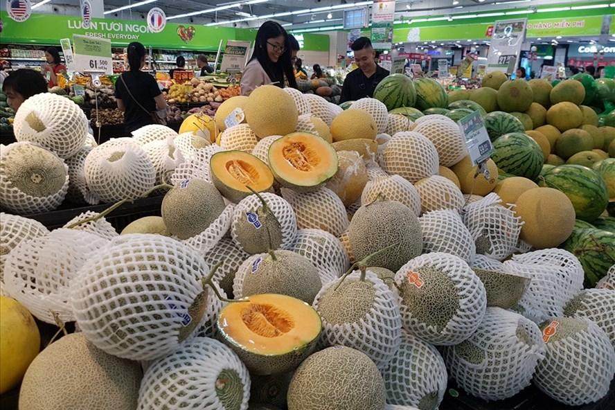 Dưa lưới Việt Nam được bày bán nhiều tại các siêu thị. Ảnh: Kh.V
