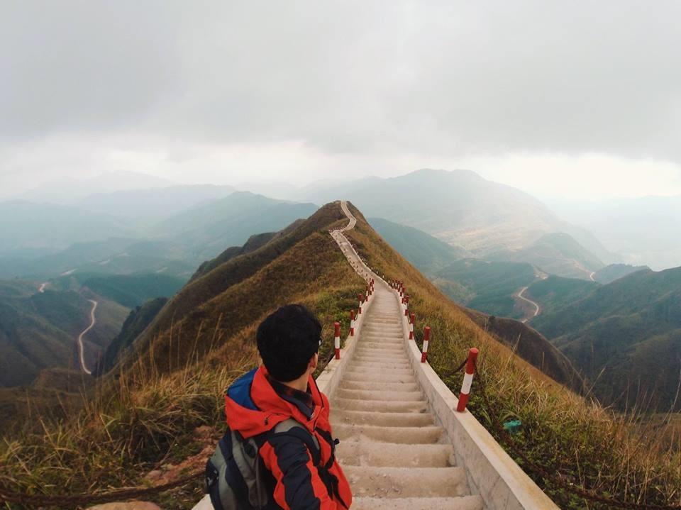 """Khung cảnh """"Vạn Lý Trường Thành"""" 2000 bậc tại Bình Liêu những ngày đầu năm. Ảnh: Hiếu Phạm"""