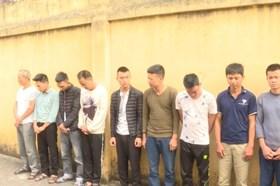 Bắt quả tang 13 đối tượng đánh bạc, sát phạt nhau ở Hưng Yên