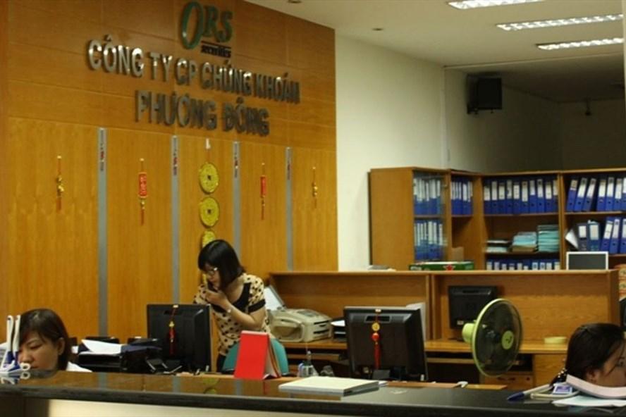 Cổ phiếu CTCK PHương Đông bị huỷ niêm yết