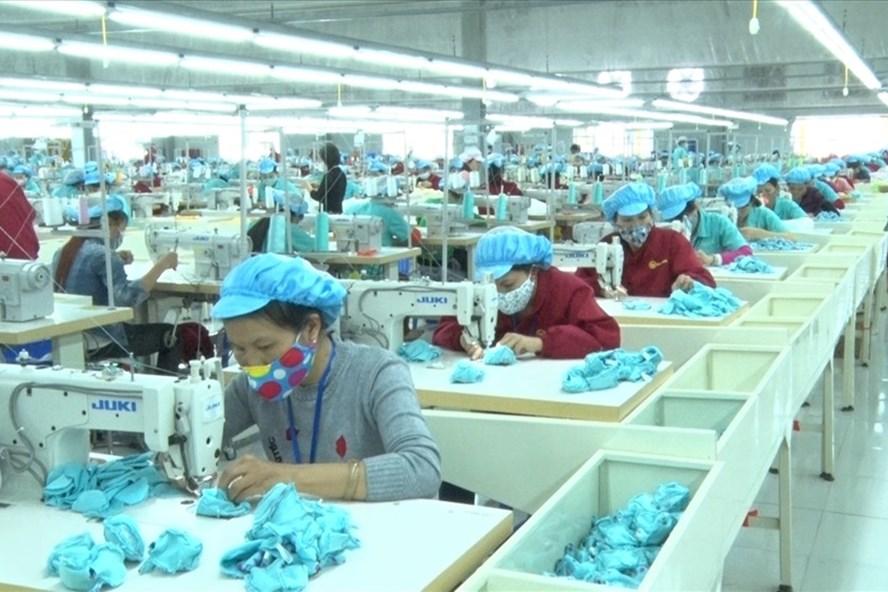 Công nhân Cty TNHH NamDong Việt Nam trở lại làm việc bình thường sau ngừng việc tập thể.