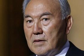 Tổng thống Kazakhstan đột ngột từ chức sau 30 năm cầm quyền