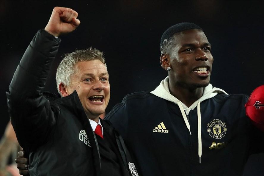 Phong độ của Pogba (phải) được cải thiện kể từ khi HLV Solskjaer dẫn dắt Man United, Ảnh: Getty Images.