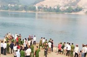 8 học sinh ở Hòa Bình đuối nước khi tắm sông Đà