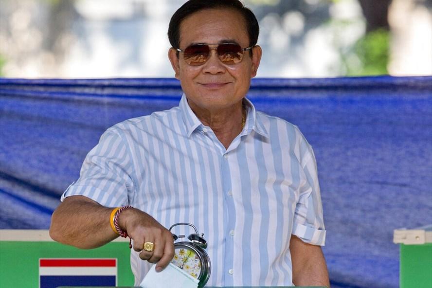 Thủ tướng Thái Lan Prayuth Chan-o-cha đi bầu cử hôm 24.3. Ảnh: AP.
