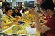 Nhìn lại giá vàng tuần qua: Kết thúc tuần giảm mạnh nhưng sức mua lớn
