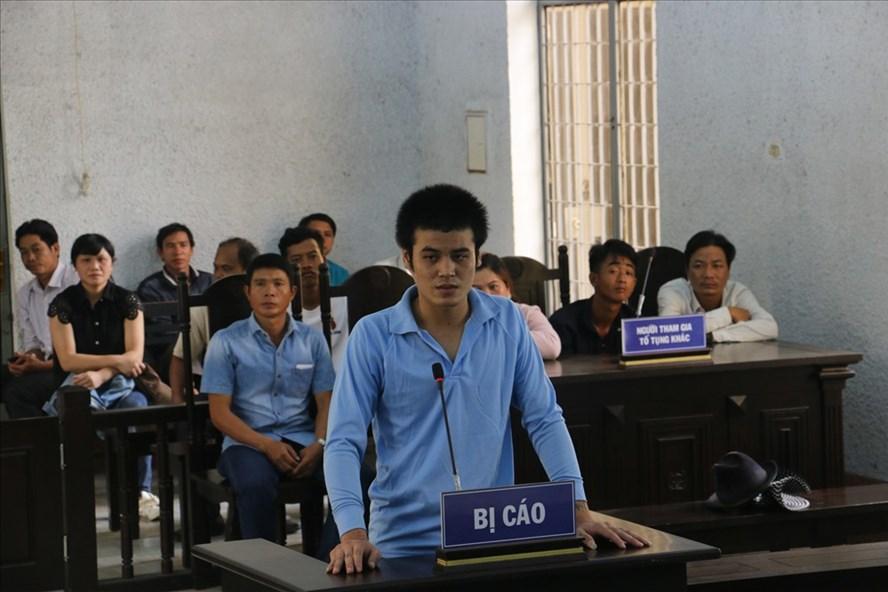 Bị cáo Y Tuấn tại tòa.