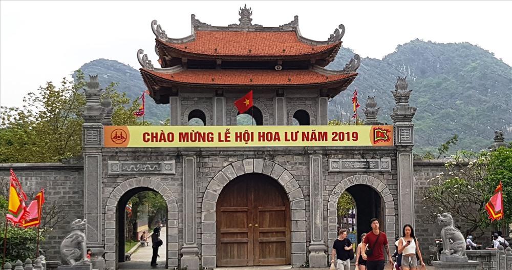 Lễ hội Hoa Lư năm 2019 sẽ chính thức khai mạc vào 20h ngày 13.4 (tức ngày 9.3 âm lịch). Ảnh: NT