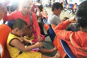 TP.HCM: Nắng nóng gay gắt, người già trẻ em nhập viện hàng loạt
