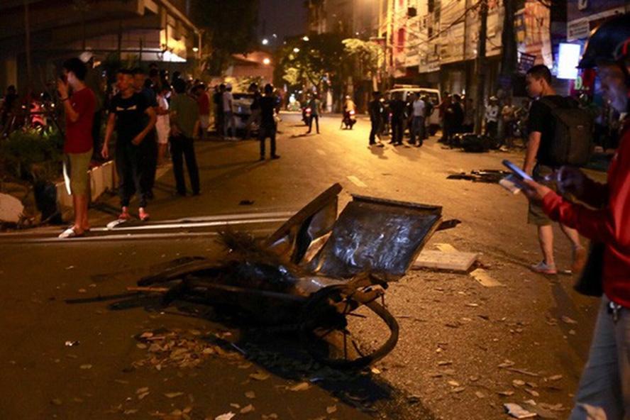Tai nạn giao thông, tài xế đâm nữ lao công tử vong, xe điên ở đường Láng