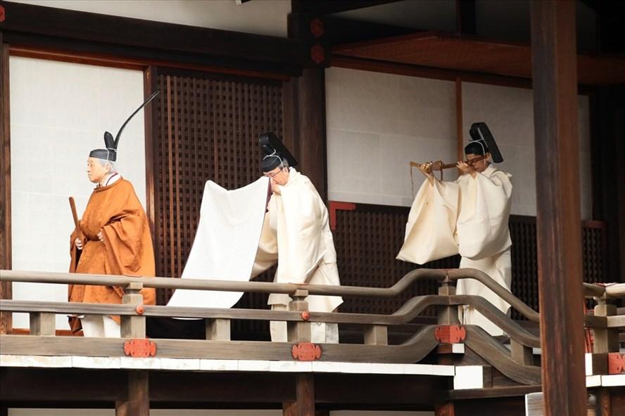 Nhật hoàng Akihito bắt đầu nghi lễ thoái vị trong ngày 30.4. Ảnh: AP.