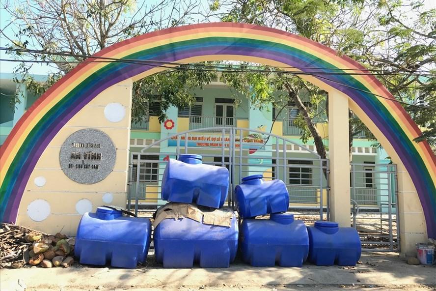 Ngôi trường mầm non khang trang ở xã An Vĩnh phải đóng cửa vì thiếu giáo viên. Ảnh: P.V