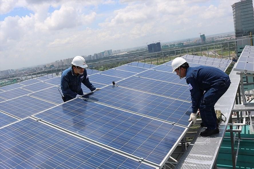 Cho tới hết tháng 6, hàng loạt dự án điện mặt trời sẽ được hòa lưới điện quốc gia.