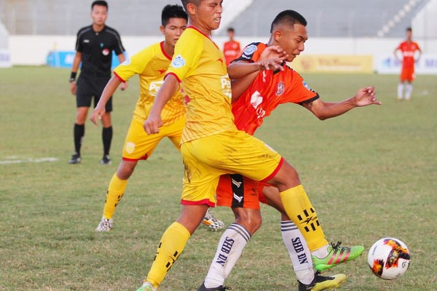 Chủ nhà SHB Đà Nẵng bị đội bóng Thành Nam cầm hòa với tỷ số 2-2. Ảnh: VFF