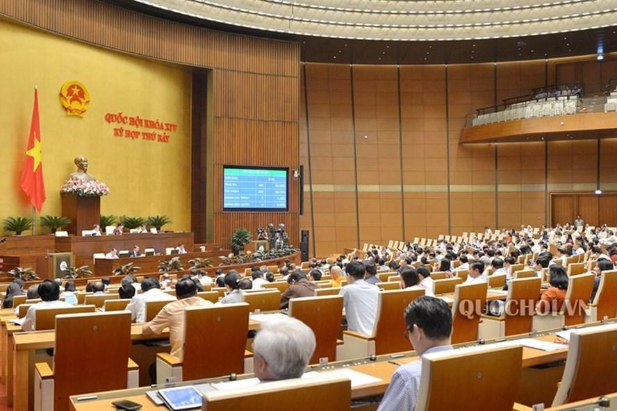 """Quốc hội chính thức đồng ý đưa quy định """"đã uống rượu, bia thì không lái xe"""" vào Luật Phòng chống tác hại của rượu, bia. Ảnh: Quochoi.vn"""