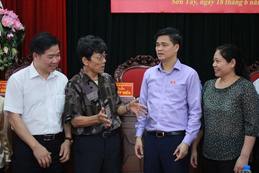 Đoàn Đại biểu Quốc hội TP. Hà Nội đã có buổi tiếp xúc cử tri tại thị xã Sơn Tây. Ảnh: P.Đ.