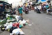 TPHCM phân loại rác tại nguồn: Trước cửa nhiều nhà vẫn là bịch rác hỗn hợp