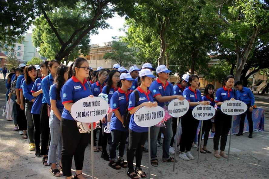 """Tỉnh đoàn Bình Định đã tổ chức Lễ ra quân chương trình """"Tiếp sức mùa thi"""" năm 2019. Ảnh NT"""