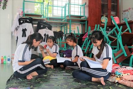 Thí sinh xã đảo duy nhất tại TPHCM sử dụng phòng học làm giường
